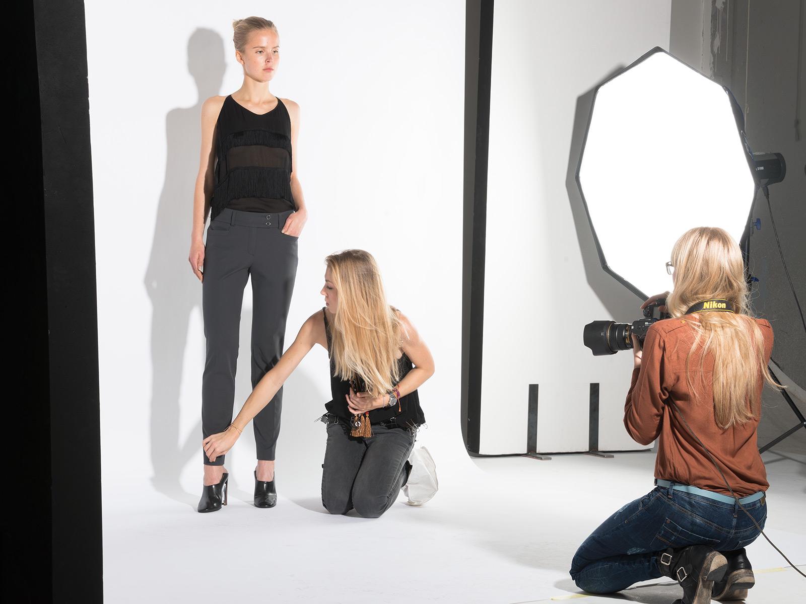 Modefotografie und non face shooting für lookbook und Webshop