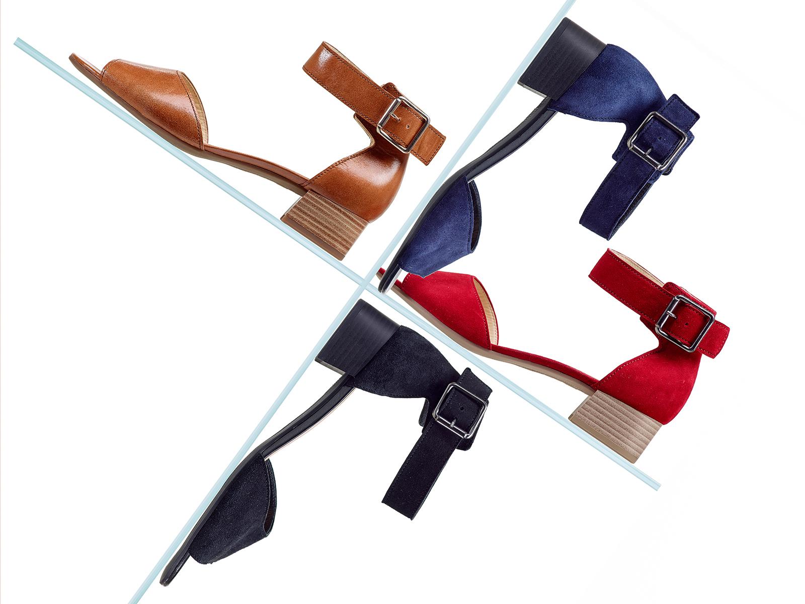 vier sandalen in vier farben